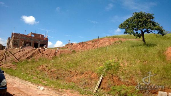 Jacarei.Com Terreno condomínio de Alto Padrão de chácaras com 1.322m2 Vale dos Lagos em Jacareí.