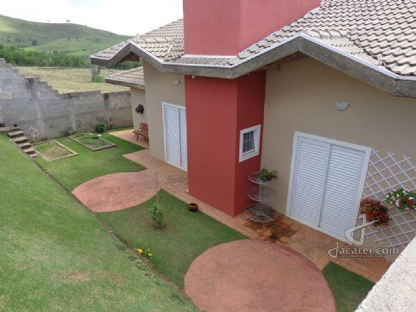 Jacarei.Com - Casa TÉRREA alto padrão no Vale dos Lagos em Jacareí.